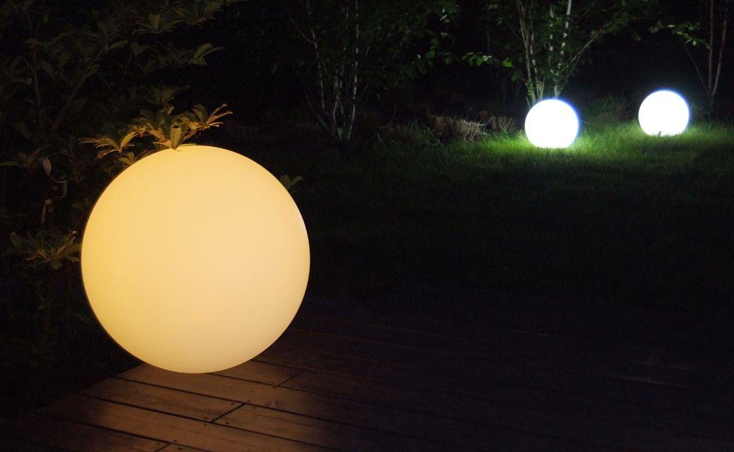 mBall RGB orange Lightning Globe