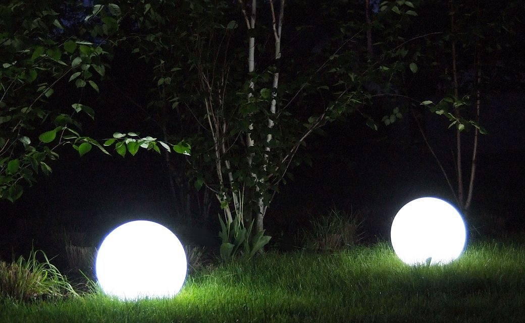 Lightning Garden Globe RGB
